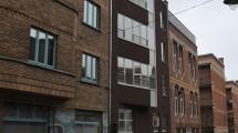 Quartier des Marolles magnifique rez-de-chaussée de 90m² habitables 2 chambres + cour