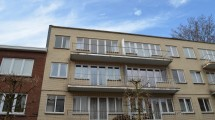 Frontière Forest-Uccle, lumineux appartement 1 chambre de 75m² habitables + terrasse