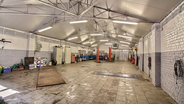 garage [4]